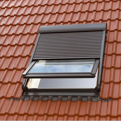 Casa moderna roma italy velux finestre per tetti prezzi for Lucernari per tetti